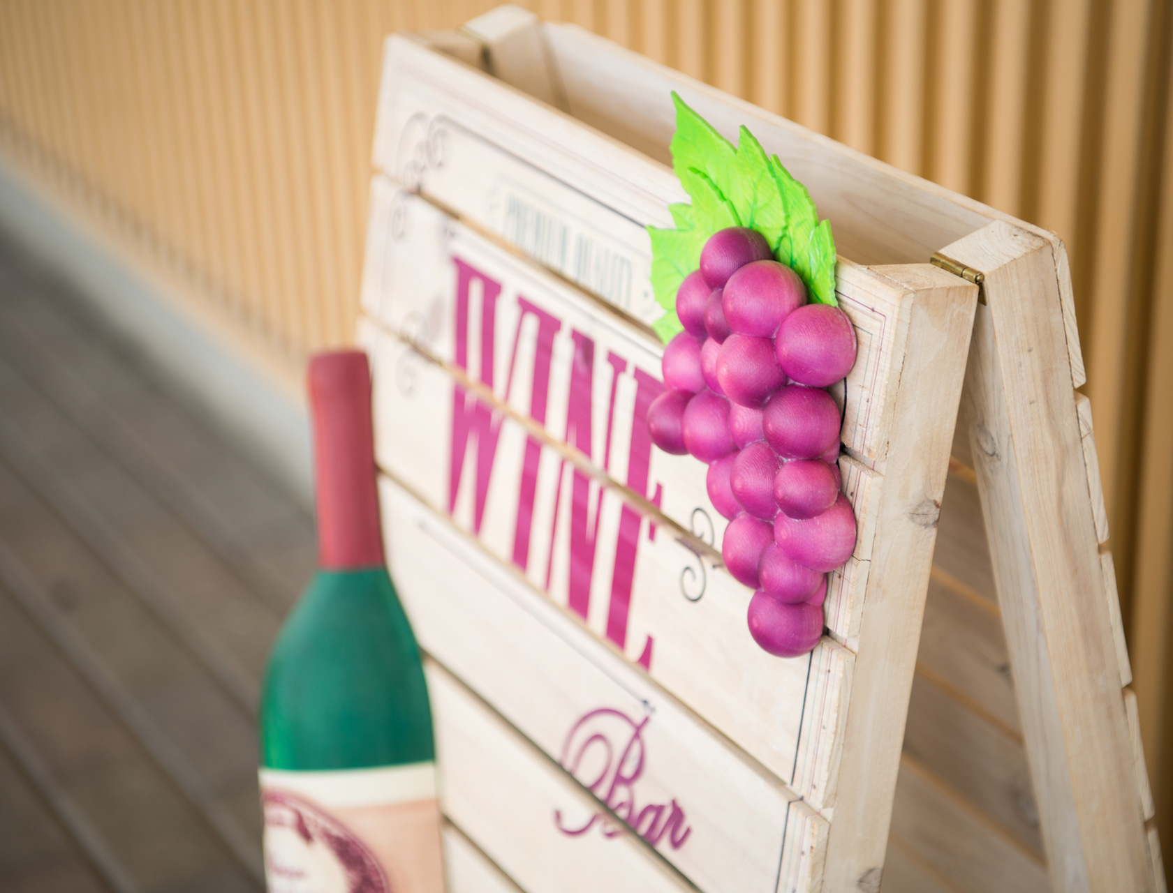 Stand sign (Wine shop)